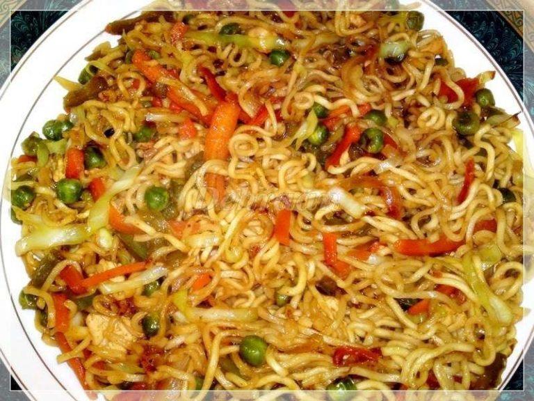طريقة طبخ الاندومي..تحضير الاندومي مع اللحوم والخضروات