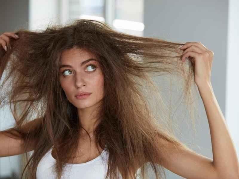 علاج تقصف الشعر .. أفضل الطرق والوصفات التي تخلصك من تقصف الشعر