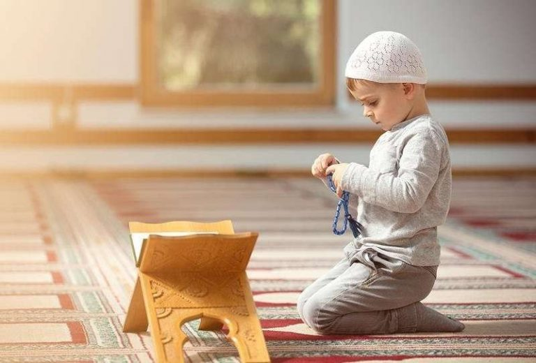 ترغيب الاطفال بالصلاة ..  –