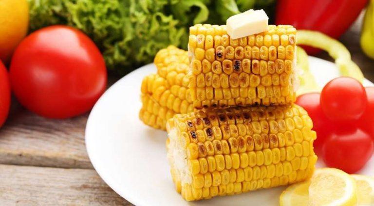 طريقة طبخ الذرة … ثلاث طرق سهلة وسريعة وجديدة لطبخ الذرة