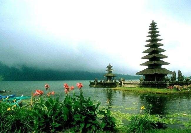 أشياء تشتهر بها إندونيسيا .. معلومات عن إندونيسيا …………………….