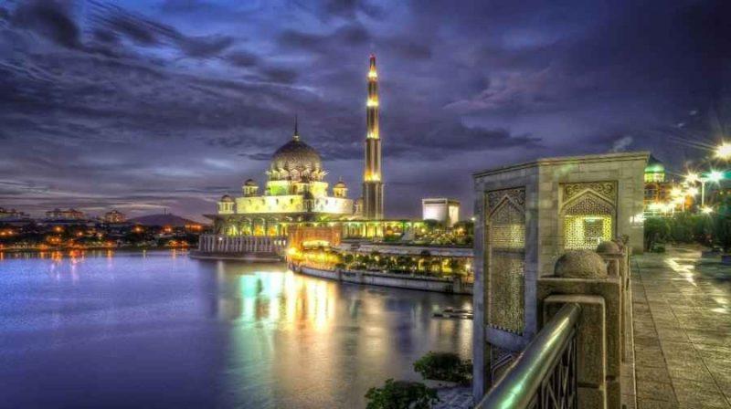 السياحة في بوتراجايا ماليزيا .. ودليلك لقضاء أجمل جولة سياحية بأفضل معالم السياحة في ماليزيا