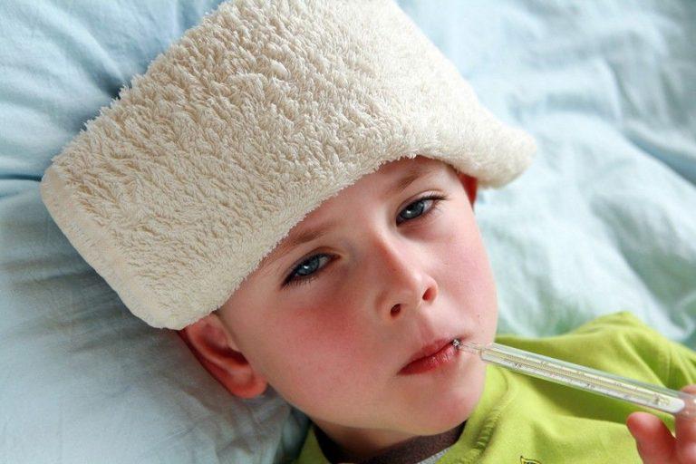 سخونة اليدين – طرق علاج سخونة اليدين لدى طفلك