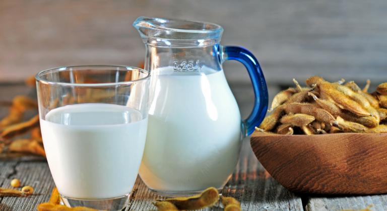 فوائد حليب الصويا ..تعرف على فوائد حليب الصويا…………………..