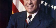 سيرة ذاتية للرئيس الأمريكي جيرالد فورد 1974-1977م