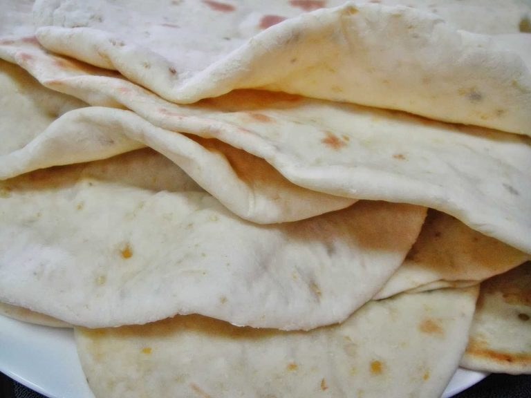 طريقة عمل خبز الحمص