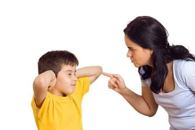كيف أربي أولادي بعد وفاة زوجي .. كيفية التربية الصحيحة وطرق العقاب المستحبة