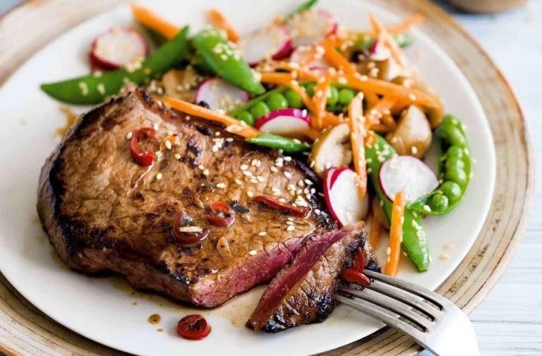 اكلات بالستيك …أشهى الأطباق وأسهل الوصفات لصنع ستيك لحم مميز