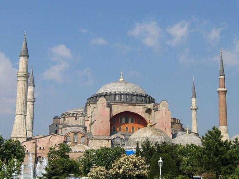 الاسلام فى أوروبا .. تعرف على تاريخ الاسلام فى أوربا ومساهمات المسلمين فى أوربا
