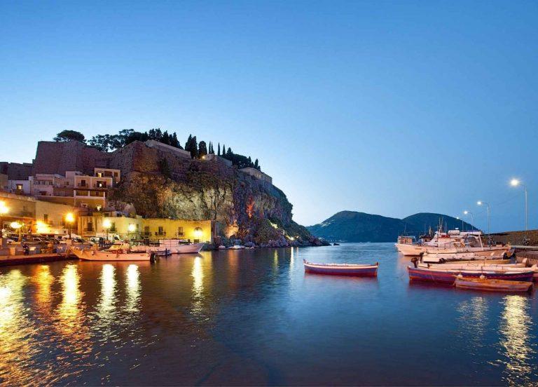 السياحة في مدينة تشفالو جزيرة صقلية..ودليلك لزيارة 7 من أجمل الأماكن السياحية ..