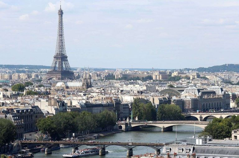 معلومات عن مدينة باريس فرنسا