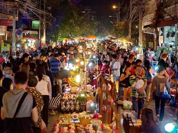 الأسواق الليلية في بانكوك