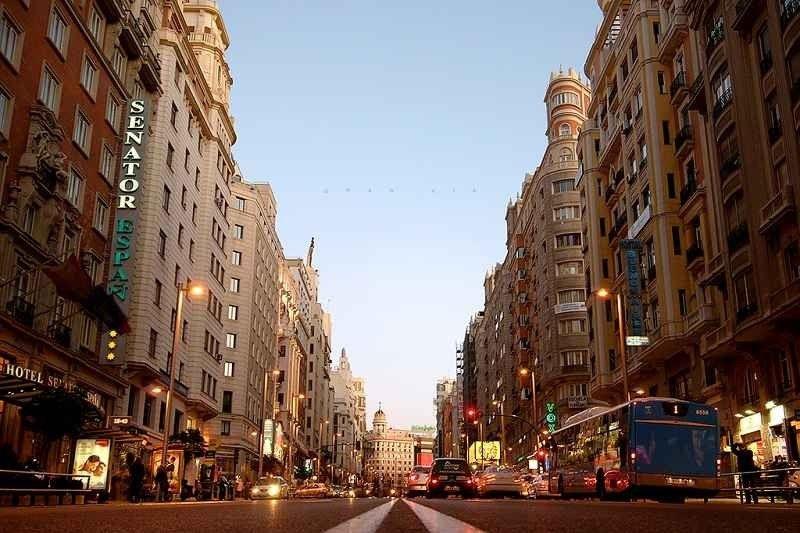 نصائح السفر إلى إسبانيا .. ما يجب أن تعرفه قبل زيارتك وما يجب أن لا تفوته !