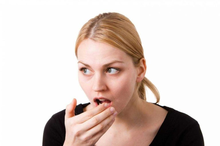 ماهى اسباب رائحة الفم الكريهة وكيف أتخلص منها