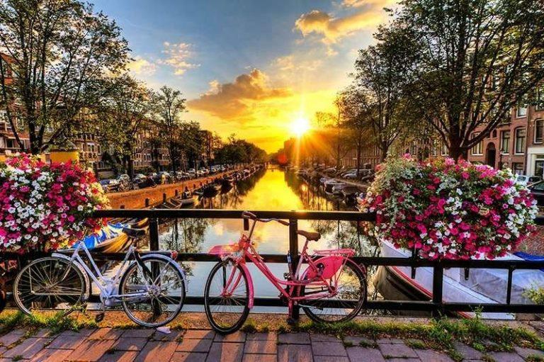 السياحة في هولندا شهر أغسطس