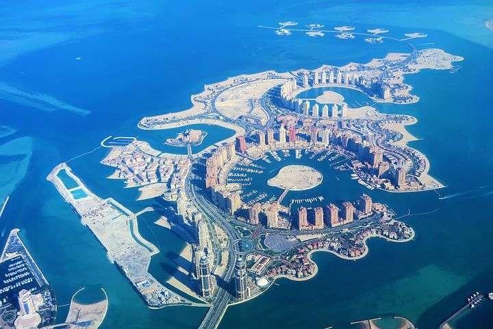بماذا تشتهر قطر صناعيا وتجاريا