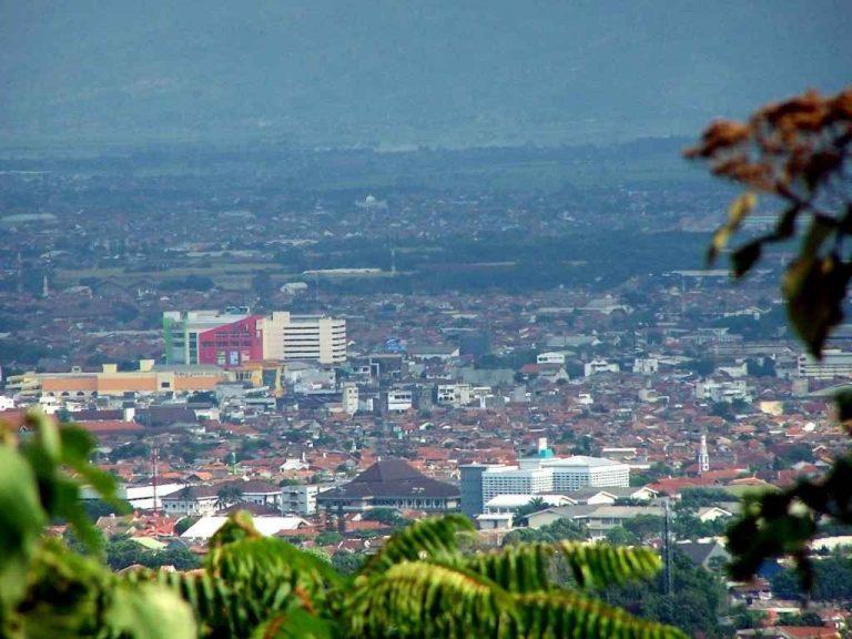 أفضل الأنشطة السياحية في باندونق أندونسيا