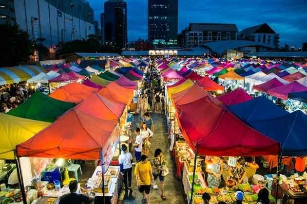 الاسواق الشعبية الأكثر زيارة في بانكوك للحاجيات اليومية