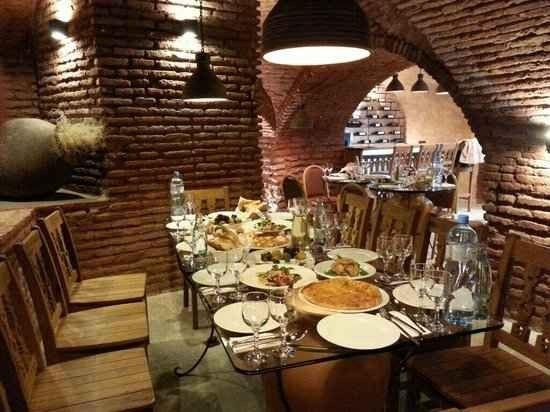 مطاعم حلال في تبليسي جورجيا | أفضل 6 مطاعم للعرب في تبليسي