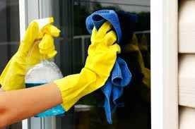 طريقة تنظيف النوافذ …10 طرق لمعرفة طريقة تنظيف النوافذ بشكل سهل –