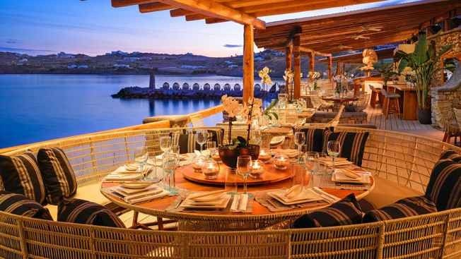 افضل مطاعم الخبر على البحر .. تناول طعامك على أنغام الموج و نسمات الهواء العليل