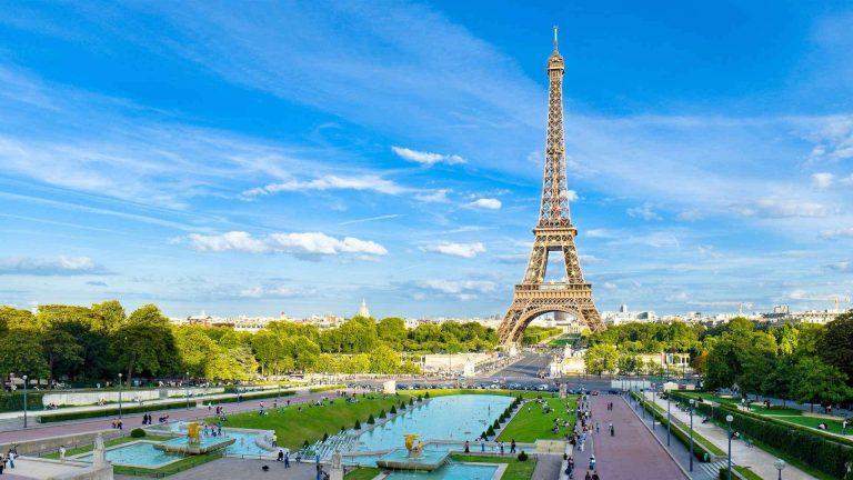 السياحة في فرنسا شهر يونيو