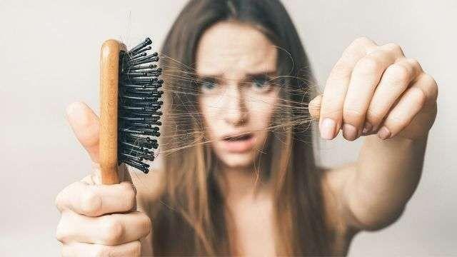 تساقط الشعر في الصيف …تعرف على أسباب تساقط الشعر فى فصل الصيف