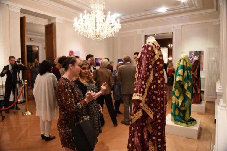 أسعار الملابس في البحرين والملابس التقليدية الرجالية والنسائية عام 2019
