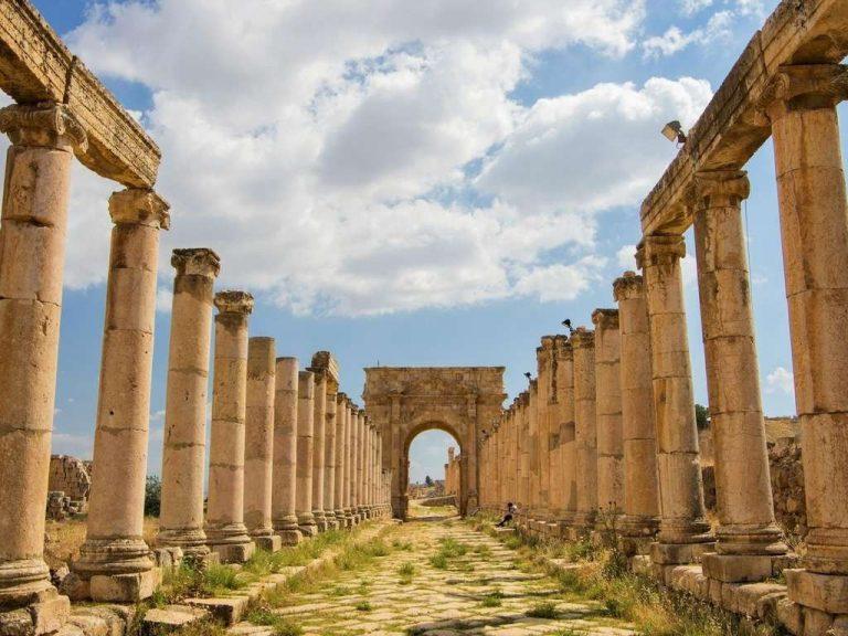 معلومات عن مدينة جرش الاردن .. تسمية جرش ومعلومات عنها في الفترة الرّومانيّة