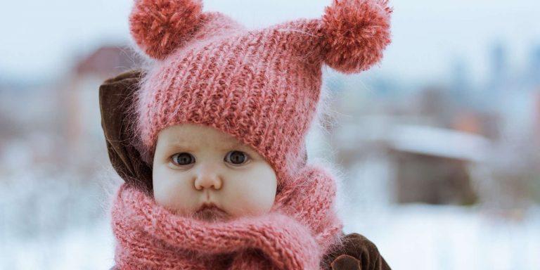 لبس المولود في الشتاء.. التفاصيل المفيدة عن عدد الطبقات التي يجب الباسها للمولود قي الشتاء