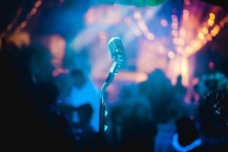الاستعداد للغناء __ طرق الاستعداد للغناء وكيفية حافظة على جمال صوتك –