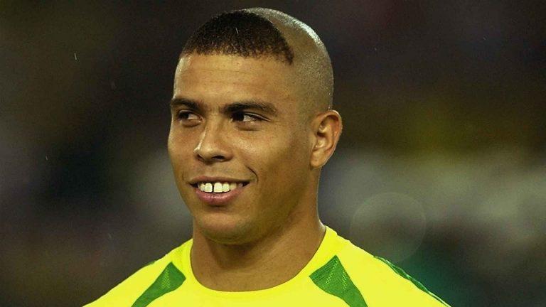 لاعب كرة القدم البرازيلي رونالدو .. مسيرته ونبذة عنه