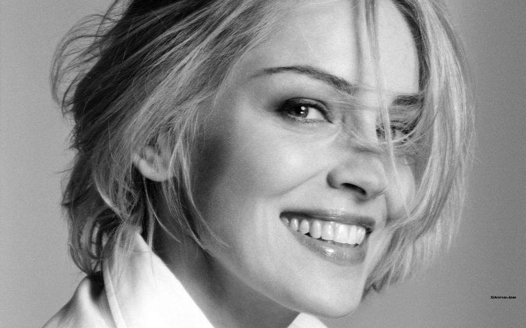 قصة حياة الممثلة شارون ستون … نشأتها وحياتها الفنية وأعمالها العديدة | بحر المعرفة