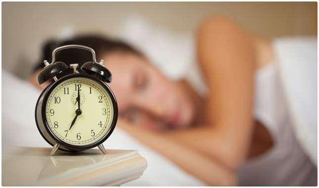 فوائد نوم الليل …تعرف على أهمية النوم ليلاً للجسم والبشرة وتوفير الطاقة –
