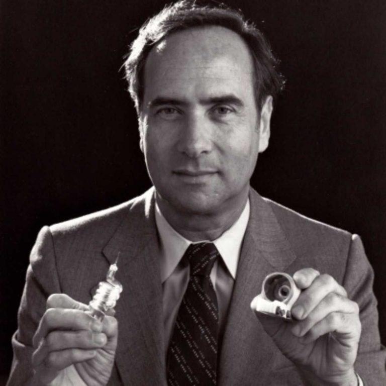 من اخترع الليزر.. أشهر المعلومات عن مخترع الليزر وكيف قام بتحويل العالم إلى مكان أفضل –