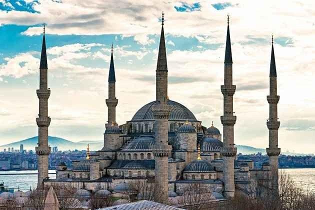السياحة في مسجد السلطان أحمد في اسطنبول