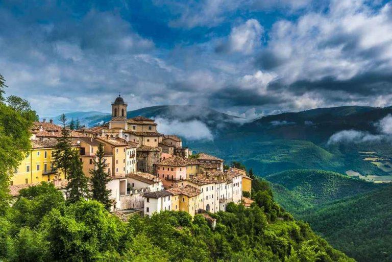 """السياحة فيأومبريا ايطاليا : دليلك السياحى لقضاء رحلة مميزة بالقلب الأخضر لإيطاليا """" أومبريا """" .."""