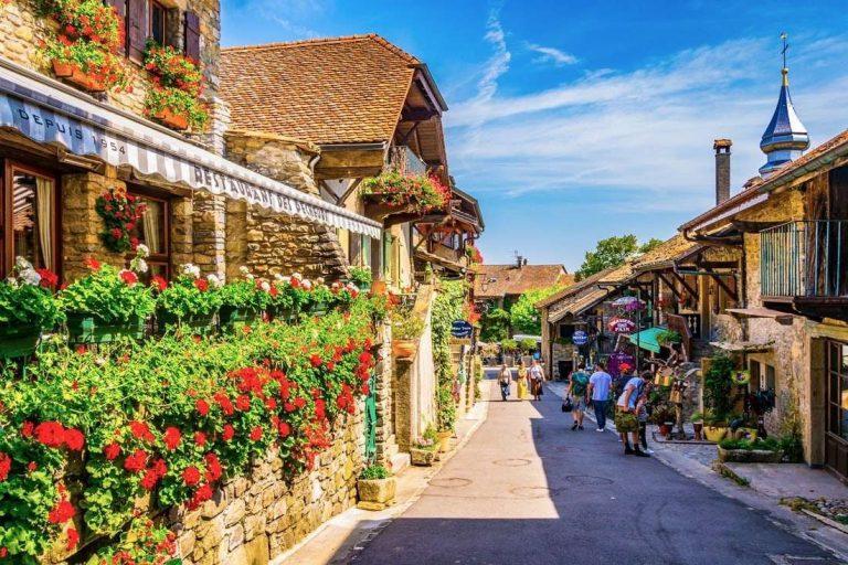 الحياة الريفية في فرنسا .. أجمل القرى الريفية في فرنسا وأكثرها سحرًا
